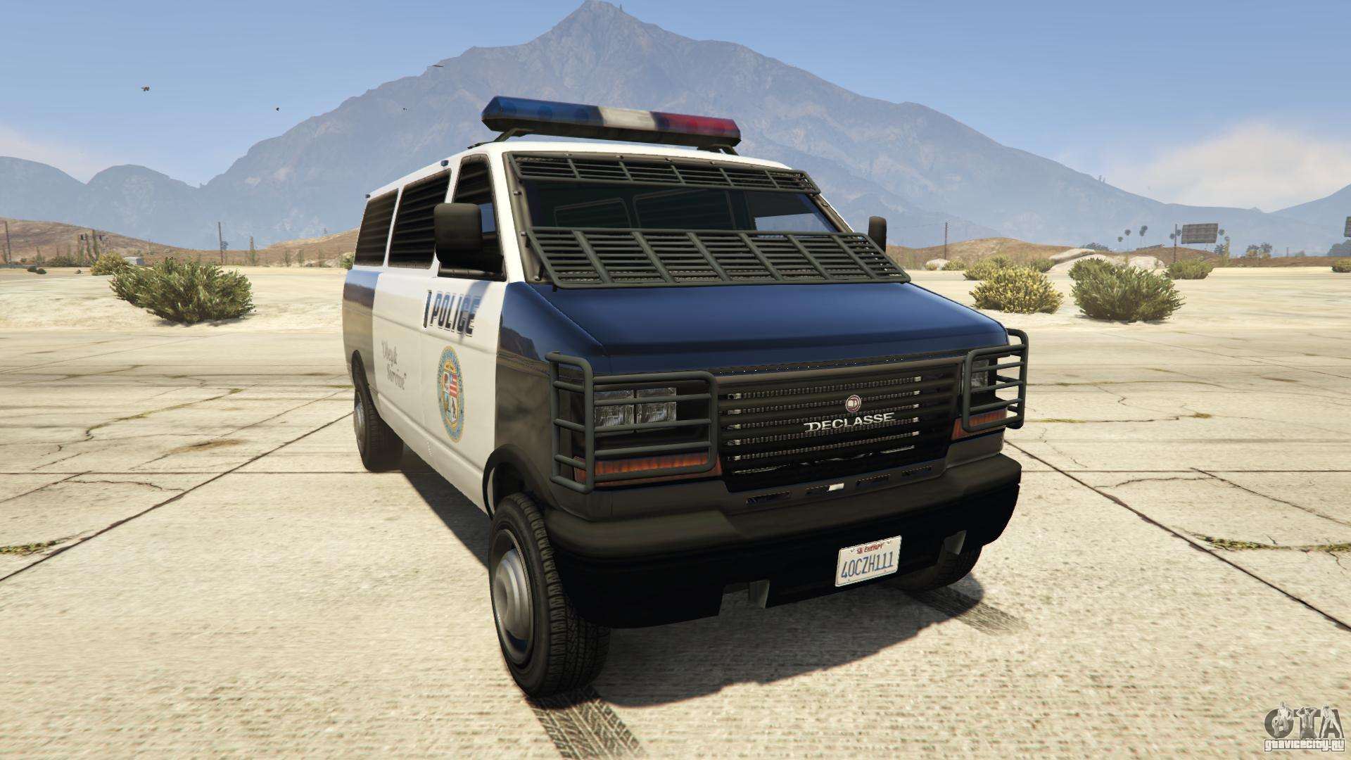 GTA 5 Declasse Police Transporter - вид спереди