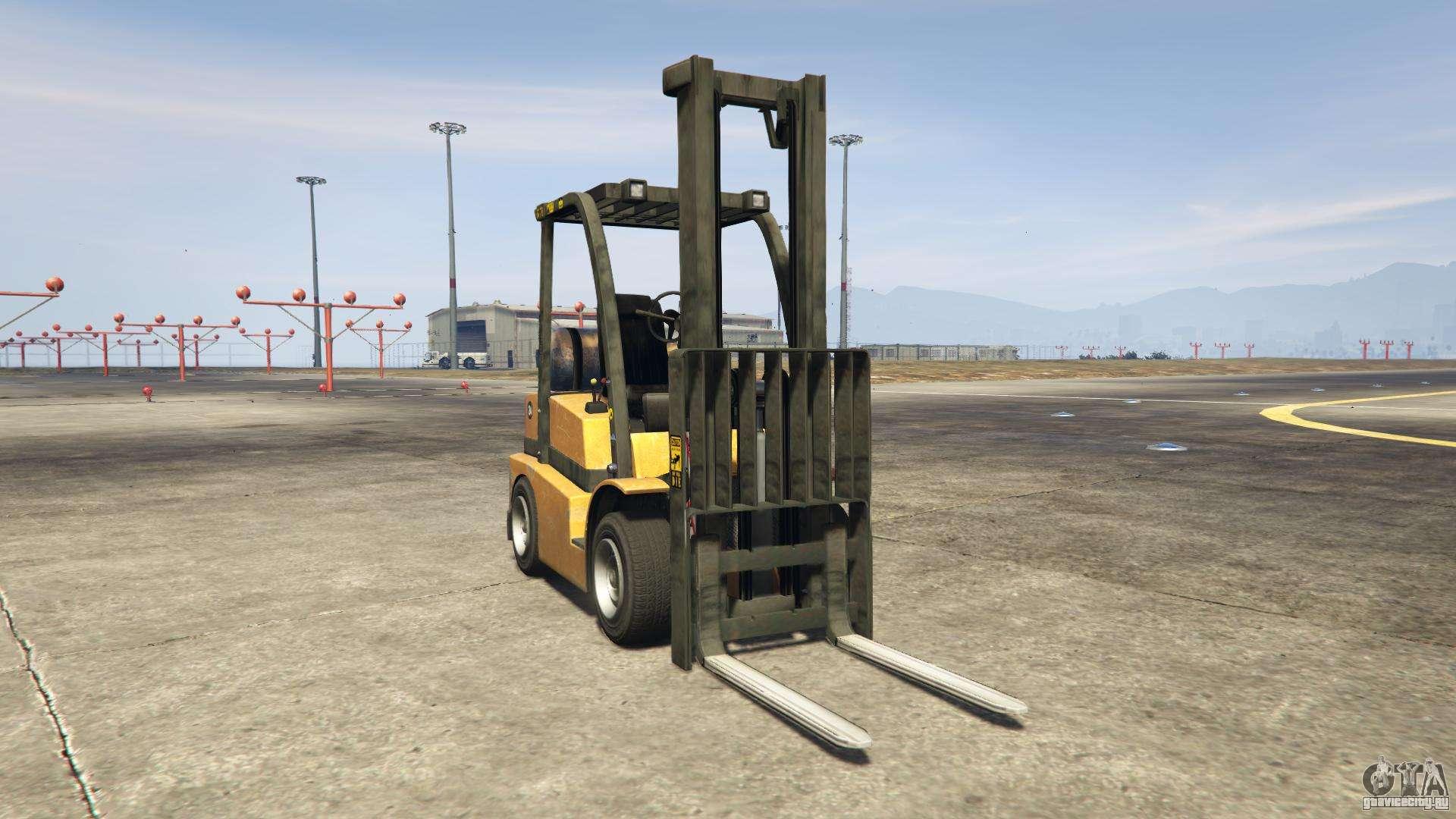 GTA 5 HVY Forklift - вид спереди