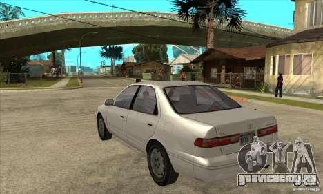Toyota Camry 2.2 LE 1997 для GTA San Andreas вид сзади слева