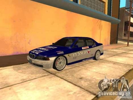 BMW 5-er E39 v2 для GTA San Andreas вид сзади слева