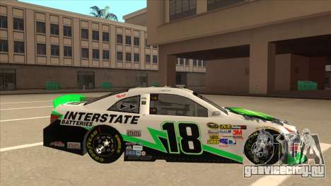 Toyota Camry NASCAR No. 18 Interstate Batteries для GTA San Andreas вид сзади слева