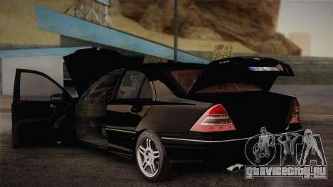 Mercedes-Benz C32 AMG 2004 для GTA San Andreas вид сбоку