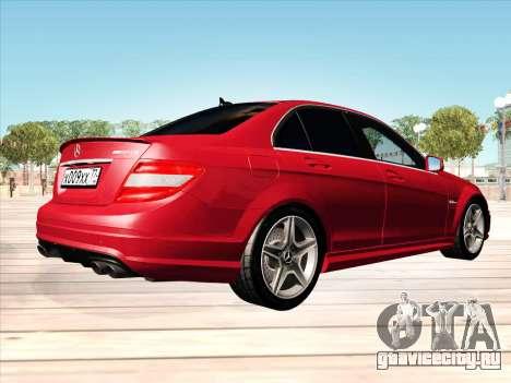 Mercedes-Benz C63 AMG HQLM для GTA San Andreas вид сзади слева