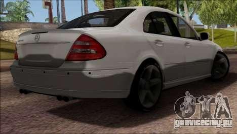 Mercedes-Benz E55 W211 AMG для GTA San Andreas вид изнутри