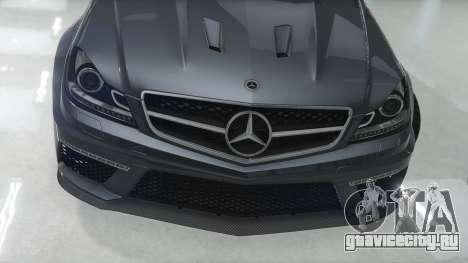 Mercedes-Benz C63 AMG v1 для GTA 5 вид слева