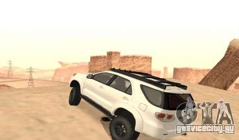 Toyota Fortuner 4WD 2015 Rustica для GTA San Andreas вид сзади слева