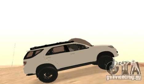 Toyota Fortuner 4WD 2015 Rustica для GTA San Andreas вид слева