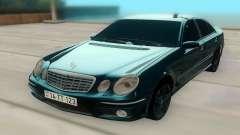 Mercedes-Benz W211 AMG 63